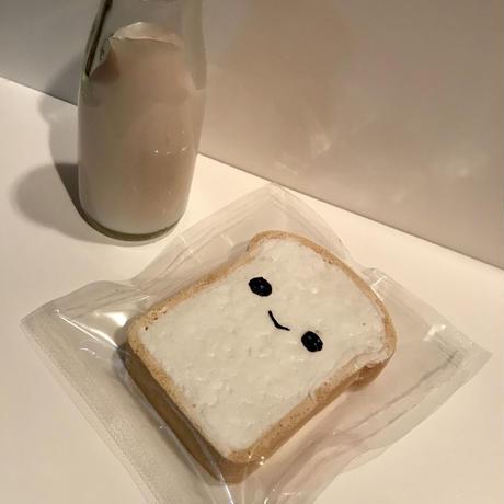 本物そっくり!!牛乳浸しパンスクイーズ