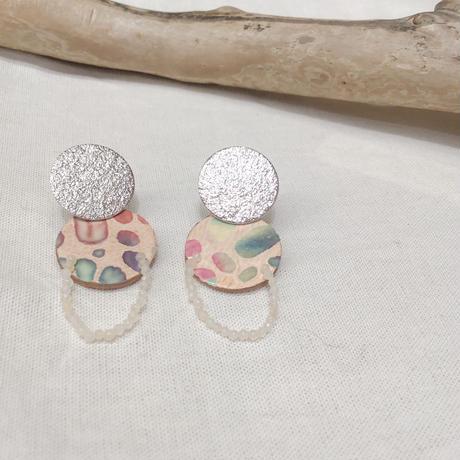 天然石のムーンピアス ホワイトベージュ