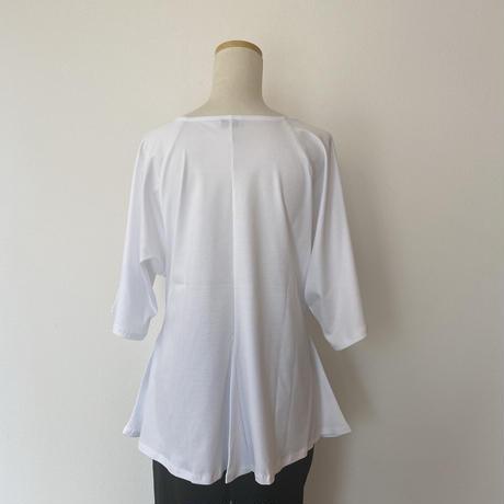 ペプラムTシャツ