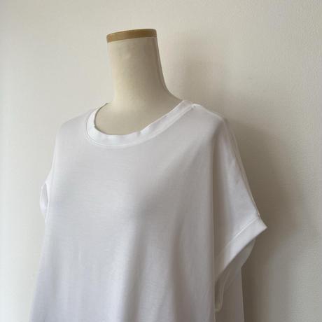 カーブヘムフレアTシャツ