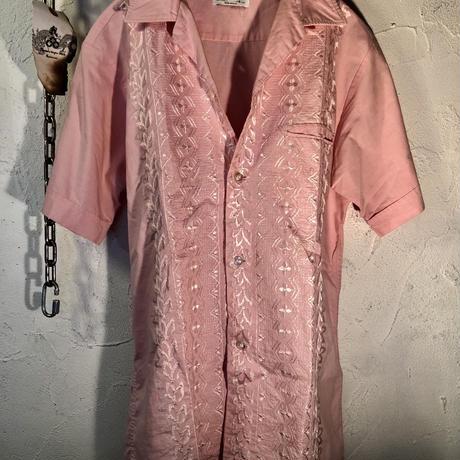 リアル60,s MADE IN U.S.A. CAMPUS Rock'n Roll Pink Shirt  目玉ヴィンテージ