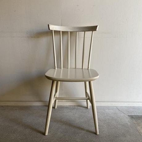 Vintage Chair( D )