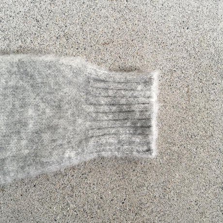 Shetland Woollen Co.  Shaggy dog sweater( Silver-M )