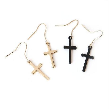 BADU  フックピアス フック・レバーバックピアス 十字架 ゴールド 黒い 人気 ファッション 上品 ビジュー ✨