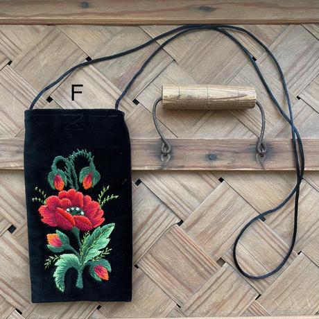 ポーランド ウォヴィチ刺繍 ミニポシェット