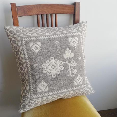 ヤノフ村の織物 クッションカバー 伝統的な花(40×40cm)#2412