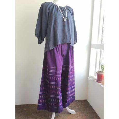 ミャンマーのロンジー用の布で作った ワイドパンツ 紫