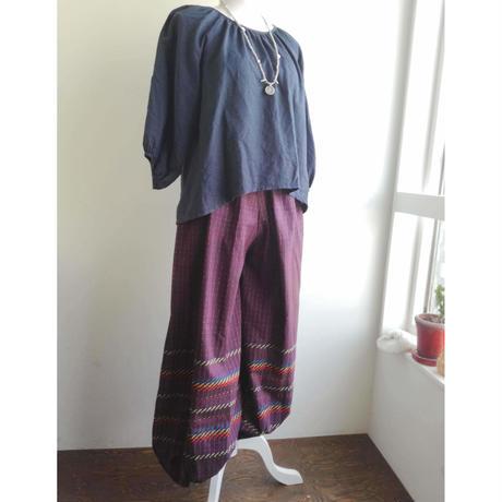 ミャンマーのロンジー用の布で作った バルーンパンツ 紫紺