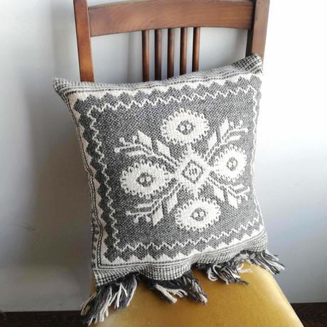 ヤノフ村の織物 クッションカバー 伝統的な花(39×39cm)#2414
