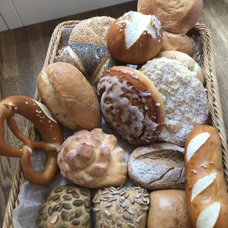おまかせセット② 小型ドイツパン12個前後詰合せ(菓子パン3個入り)【本州限定】