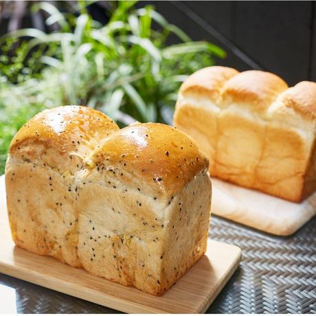【3本入】こだわり食パン2本+ゴマとさつまいものほっこり食パン1本セット