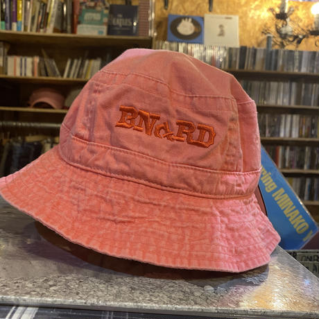 BNGRD pigment dye BACKET HAT (PINK)