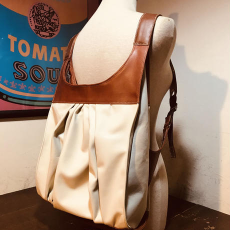 sample  sale レザードレープbackpack
