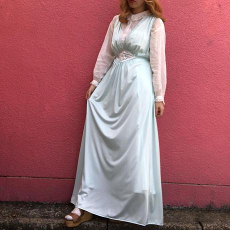 ヴィンテージ  花刺繍ペールブルーのランジェリー ロングドレス