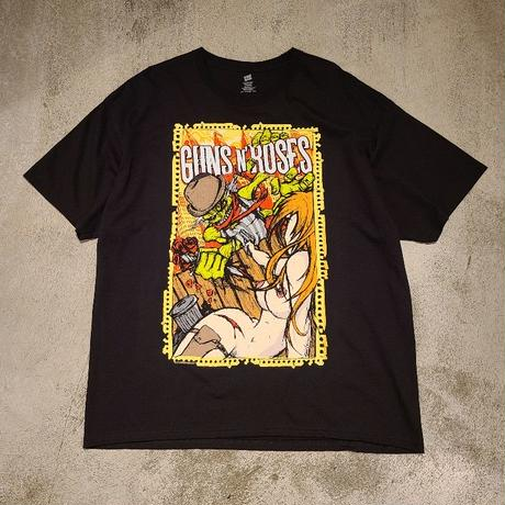 "2010's ""Guns 'N Roses"" Tour Tee SIZE : XL"