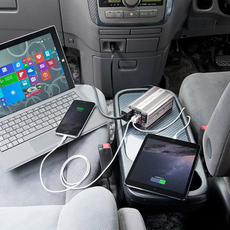 車内でAC電源とUSB電源がとれる!120Wカーインバーター