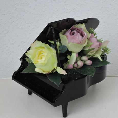 グランドピアノアレンジメント クリアか黒で作成します