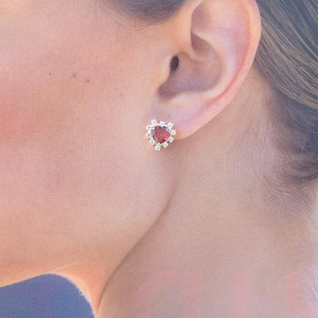 Sparkle earrings studs(ガーネット・ハート)