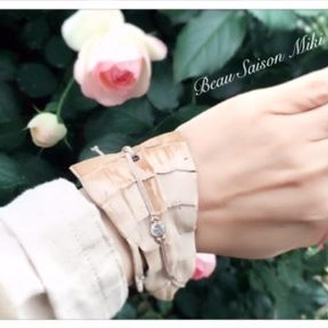 Bracelet using  crocodile leather color of Beige with Cubic zirconia
