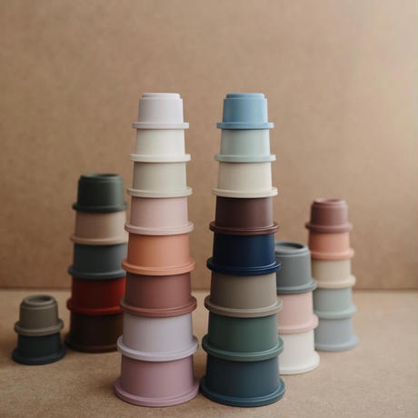 予約商品 12月中旬発送予定 Mushie Stacking Cups Toy | Made in Denmark (Forest)