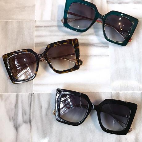 【Selected item】Big square Perl sunglasses / スクエアパール付きサングラス / mg-362
