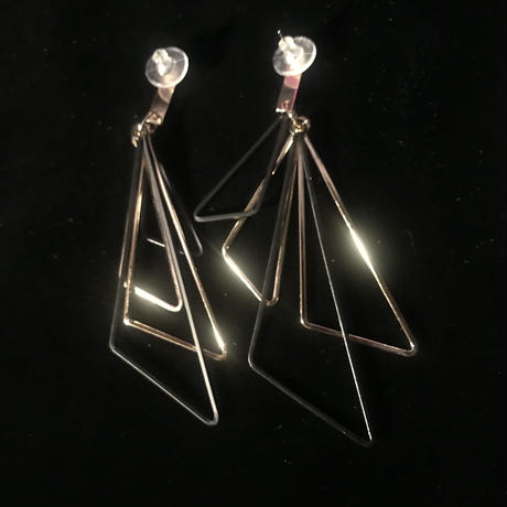 【Selected item】Triangle Pierce
