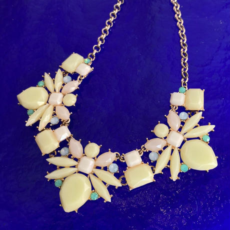 【Vintage】Bee stone necklace / 蜂の石ネックレス