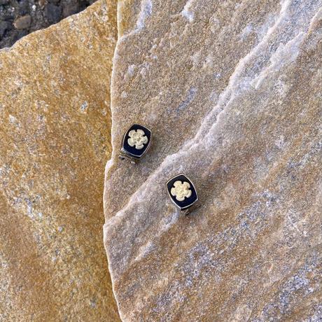 【Used】 Monotone flower earrings / モノトーンお花イヤリング