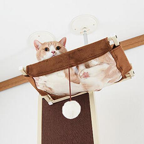 【スリムで爪とぎも可能なキャットツリー】 キャットウォークモダン,場所を取らないスリム設計,爪とぎ付き