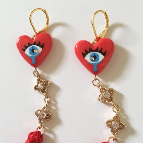 EYE HEART RED TASSELピアス