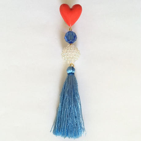 HEART & RIGHT BLUE TASSEL 片耳ピアス