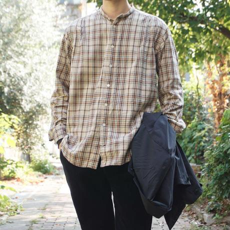 five tuck band collar shirts-BEIGE