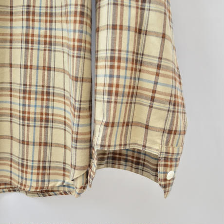 five tuck band collar shirts-BEIGE