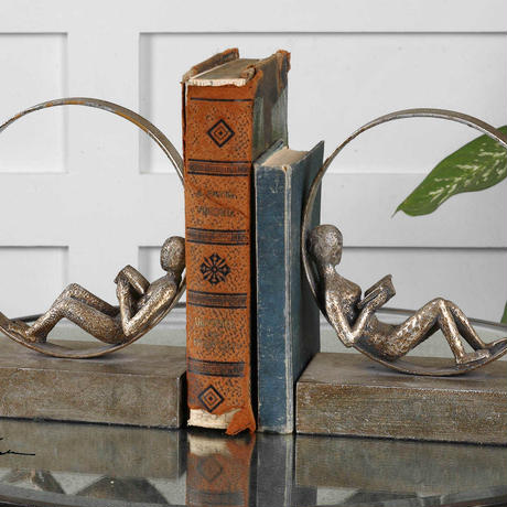 0420-16 Lounging Reader Bookend