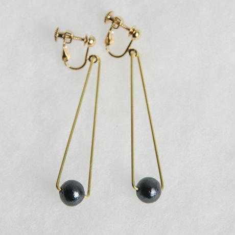 sankaku pearl earring long [VE-004b]