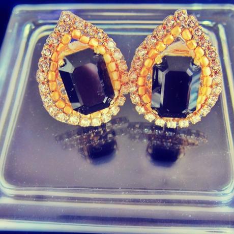 Bijouest petit/ pear shape bijou earring