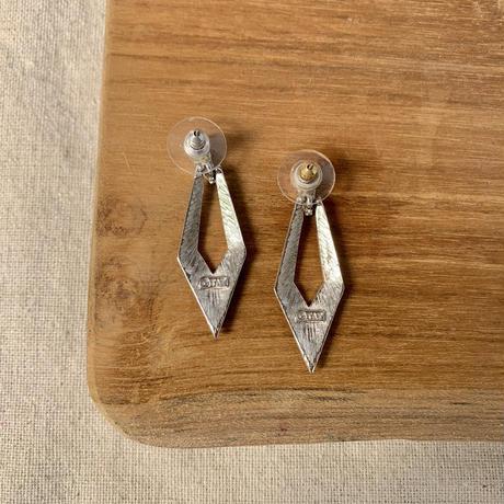 USED simple  pierce (black)