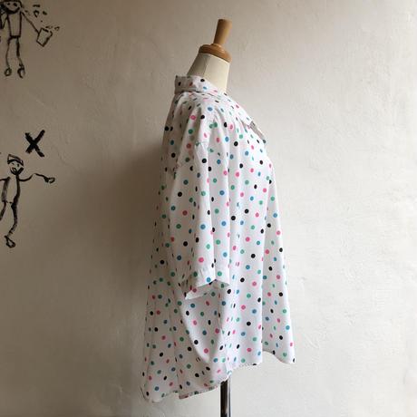 lady's dot pattern open collar blouse