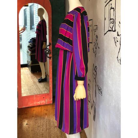 lady's stripe pattern tuck design one-piece