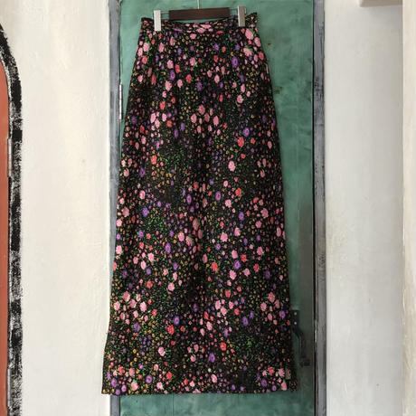 lady's floral pattern quilting maxi length skirt