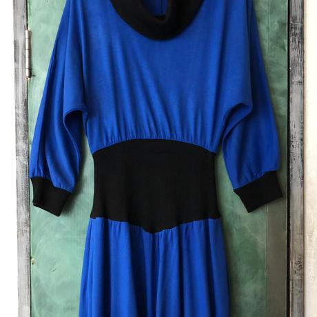 lady's black knit switching blue one-piece