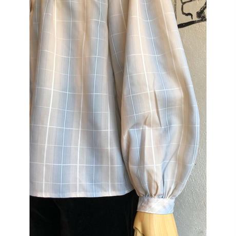 lady's plaid  pattern  smock top