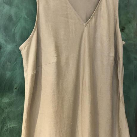lady's sleeve less vneck linen maxi one-piece