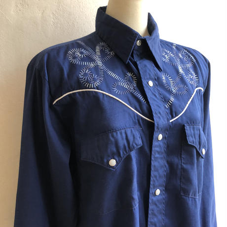 lady's vintage embroidery western shirt