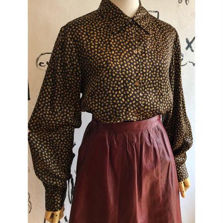 lady's  square pattern satin blouse