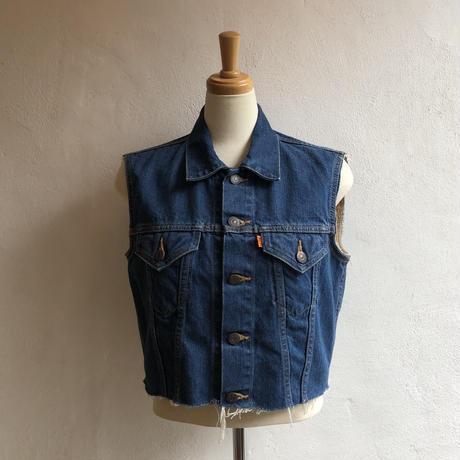 lady's Levi's cutoff denim vest