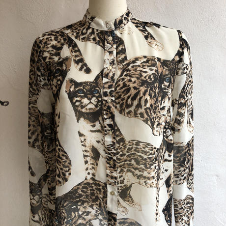 """lady's """"neco"""" photo print stand collar blouse"""
