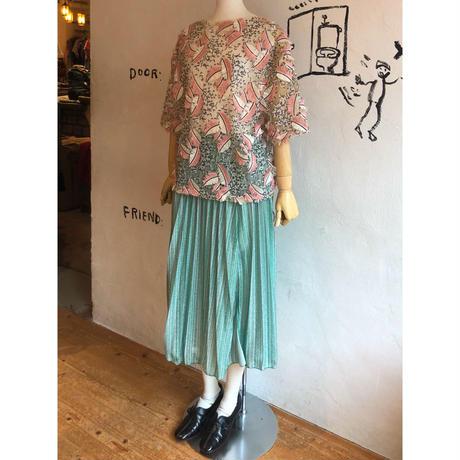lady's sequins &leaf motif design tops