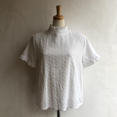 lady's white color dot pattern lace top