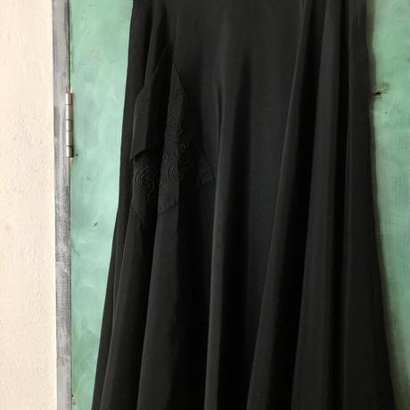 lady's 1950's vintage black color flare skirt